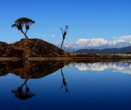 East - Nepal Lodge and Camping Trekking